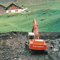 kraftwerksbau-beginn-aushub-erde